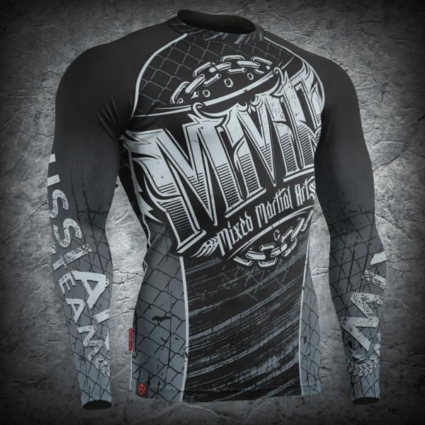 Рашгард «MMA-1», Цвет Черный, Размер SРашгард представляет собой обтягивающую одежду (футболка, лонгслив или штаны), выполненную из специальных материалов, которая плотно прилегает к телу.&amp;nbsp;<br><br>При сравнении спортивного компрессионного белья с обыконвенными хлопковыми футболками можно выявить ряд преимуществ:<br><br>- Единоборства - контактный вид спорта и зачастую приходиться больше половины тренировочного времени проводить на татами, тесно работая со спарринг партнером. В этом случае, рашгард - это превосходная защищита от различного рода микробов и степень риско подхвотить какую нибудь кожную инфекцию сводиться к нулю.&amp;nbsp;<br><br>- Спортивное компрессионное белье имеет достаточно малый вес и практически не ощущается на теле спортсмена, что дает дополнительную свободу движений, способствуя максимизации эффекта, получаемого от тренировок.<br><br>- Отличная способность спортивного компрессионного белья пропускать воздух, позволяя телу дышать, сохраняя его температуру, не дает остывать телу спортсмена в перерывах между подходами, избегая таким образом растяжений и микротравм и положительно сказываясь в упражнениях на растяжку.<br><br>- Очень быстро сохнет и практически не подвергается механическим воздействиям.<br><br>- Имея длинный рукав спортивное компрессионное белье предотвращает получение ссадин и царапин о татами при работе в партере.<br><br>- И наконец эстетический вид спортсмена. Рашгард - это именно тот элемент, который подчеркнет Вашу индивидуальность.<br><br>Всю продукцию торговой марки ЗЕМЛЯ ВОИНОВ Вы можете купить в интернет-магазине с доставкой по всей России или в наших представительствах в различных городах России: Москва, Санкт-Петербург, Новосибирск, Екатеринбург, Нижний Новгород, Казань, Самара, Челябинск, Омск, Ростон-на-дону, Уфа, Красноярск, Пермь, Волгоград, Воронеж.<br><br>Цвет: Черный<br>Размер INT: S